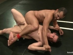 Nude fags Leo Lust and Tony Vega enjoy fighting and fucking on a ring