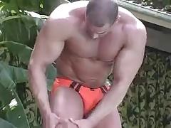 Hot bodybuilder solo
