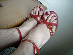heels & painted toes