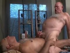 Bub And Thor pound bare