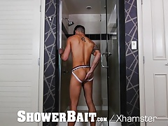 ShowerBait Fx Rios Shower fucks str8 Casey Everett