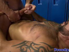 Mature hunk rimming lockerroom stud