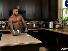Homo mature men fuck in the kitchen