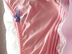 Tranny cums into her cute silky panties