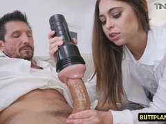 Yammy Girl Surprises Her Sugar Daddy
