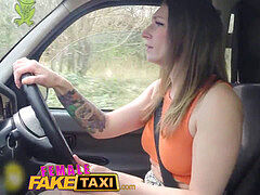 Female Fake Taxi hot goth dame tastes drivers pussy
