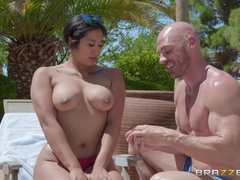 Hard-working pool boy gets wet pussy as a salary bonus