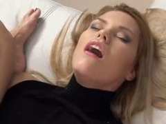 Lascivious czech hottie stretches her juicy fuck hole to the bizarre