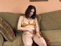 ChickPass - Sci-fi princess Lavender does her vibrators