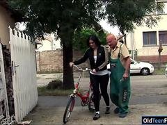 Romanian Marsha Cortez sucks and fucking old bike repairman