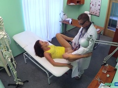 Doctor helps sexy patient conceive