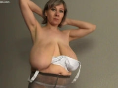 Old Mother I´d Like To Fuck With Huge Saggy Breast