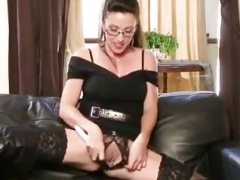 brit mom i`d like to fuck in knee high boots
