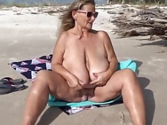 Beach seduction for sizeable mama