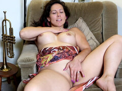 Busty milf Jade Winters takes you on a tour of her body