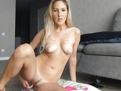 Ameli XS Cam Whore Tampon Insertion