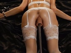 Extreme Make love Machine Squirting Session