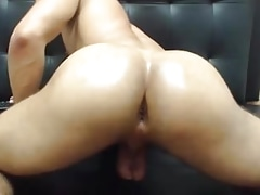 Latin SmoothBubble Butt Bouncing