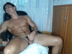 CAM CembomatikMuscular Boy Strokes His Bushy Cock to Cums With Omibod Ups Ass