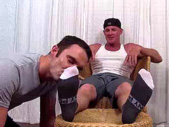 Muscle top Dev loves his feet being meticulously adored