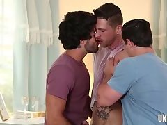Brazilian gay threesome and cumshot