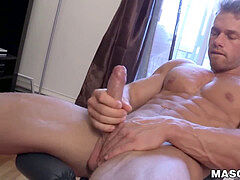 bulky works out and ripples his muscles while wanking