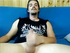 Italian metalhead jerks off on cam