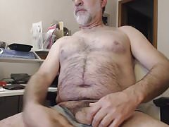 SEXY HAIRY DADDY BEAR BIG THICK UNCUT PENIS