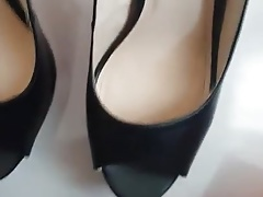 Cum on sister shoes 2