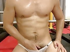asian hunk with nice duck JO at gym (1'38'')