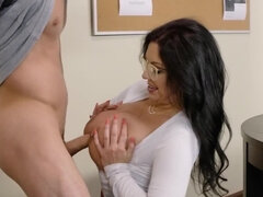Inviting MILF looks beautiful and sexually attractive for student
