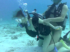 japanese scuba lady underwater fuck-a-thon 2