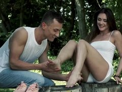 Alya Stark and her lover having amazing sex outdoors