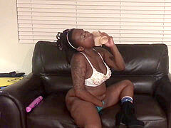 Fetish. unshaved kitty. Pretty Black Girl Twerking w/ Dildo In fuckbox.