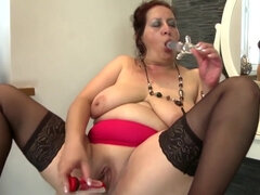 Old MILF whores show their high skills