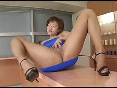 Japanese av model shame ! voyeur : fur covered beaver through tights ! 3