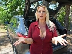 Selah Rain Is A Divorced Thick Milf That Needs Her Car Fixed