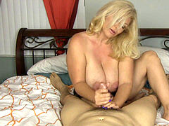 Cock Craving milf Charlee pursue Gives great Handjob!