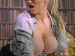 Blonde milf secretary gets her cunt slammed by a thick dick