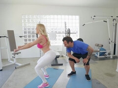 Brandi Love fucked through the hole in her yoga pants
