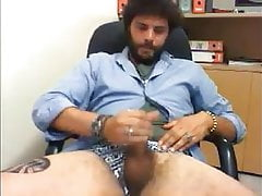 Italian Str8 Guy records his own Cumshot at the Office #175