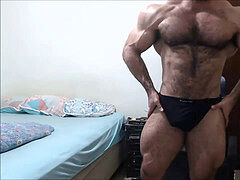 warm BODYBUILDER FELIPE MATTOS