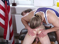 massage jock woos cumshot from youthful twink
