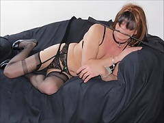 LINGERIESLETJE: Slut crossdresser in lingerie